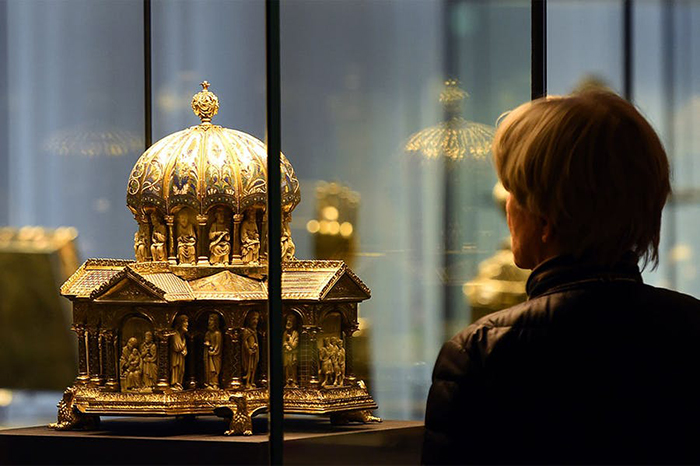 The US Supreme Court has ruled for Germany in the Guelph Treasure case | Germany has announced a second €1bn bailout for culture | The Dutch government has agreed to return all stolen objects to former colonies | and French museums are pressing for reopening